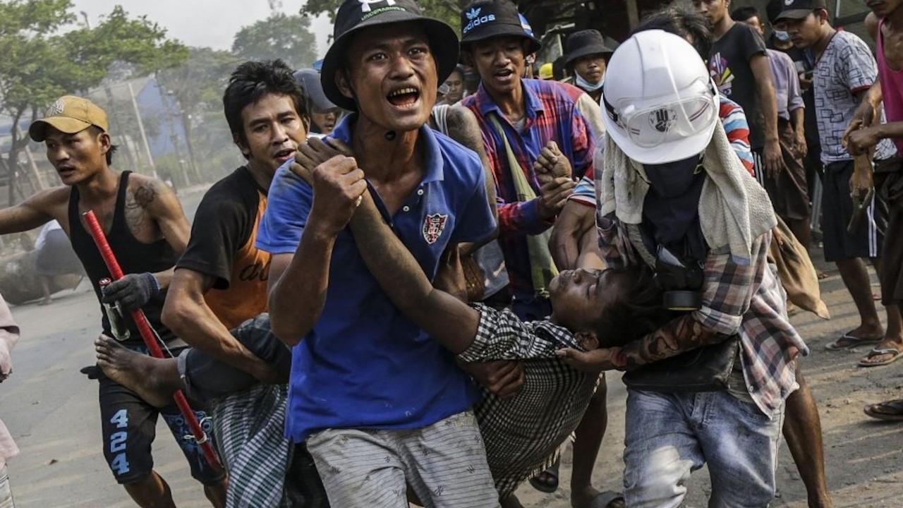 Myanmar'da silahlı örgütlerden darbecilere uyarı: Ateşkesi bitiririz