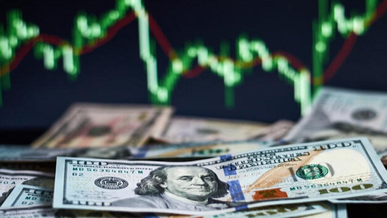 Borsada 100 hisseden 76'sı değer kaybetti, dolar 8,40 lirayı gördü