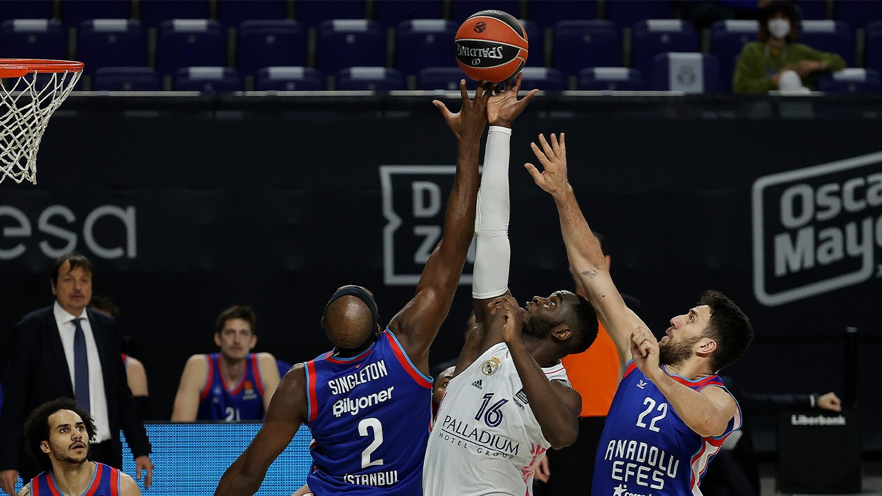 EuroLeague'de play-off tablosu netleşiyor