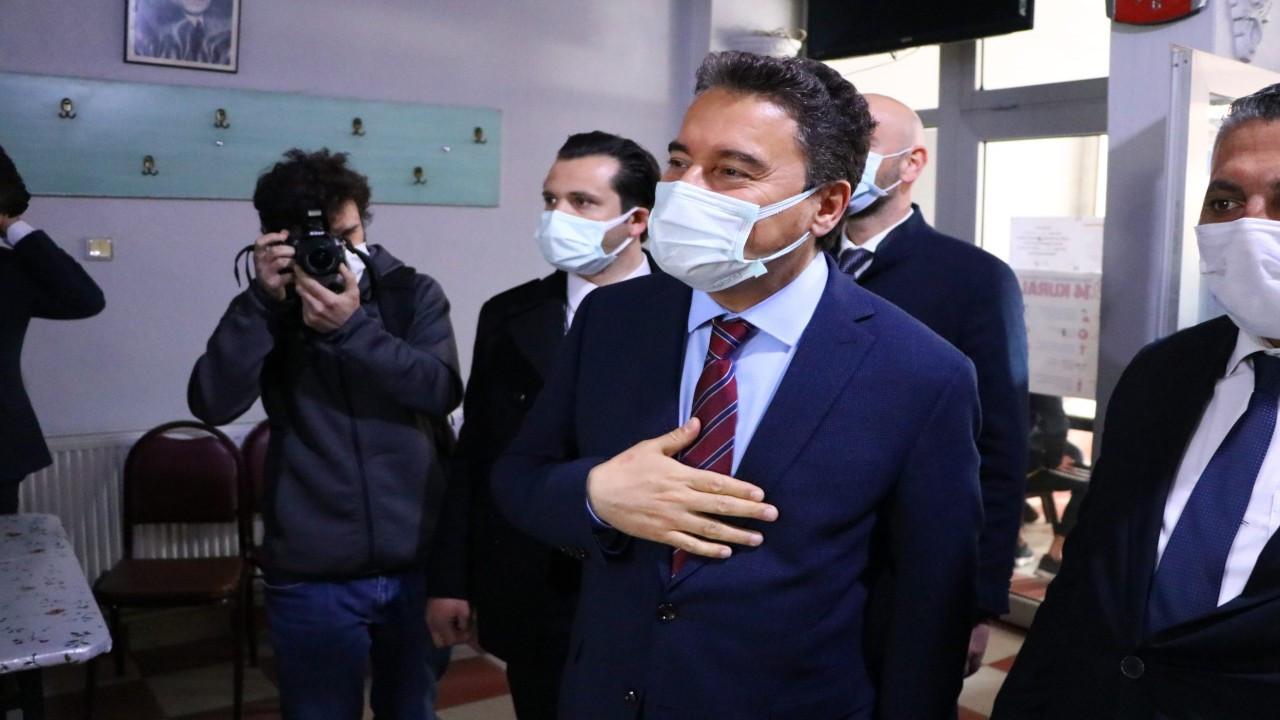 Babacan: ATV kimin?.. AK Partili esnaf: Tayyip'in, çok eleştiriyorum
