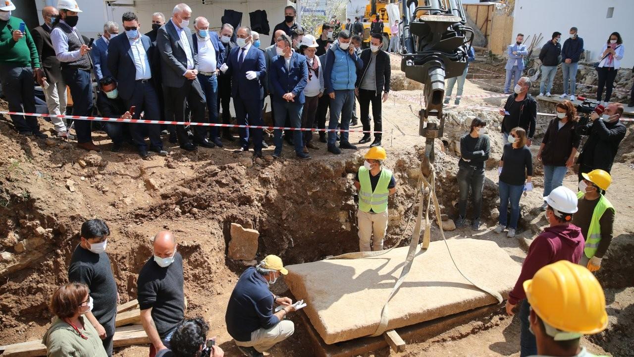 Bodrum'da 2 bin 400 yıllık lahitin kapağı ilk kez açıldı