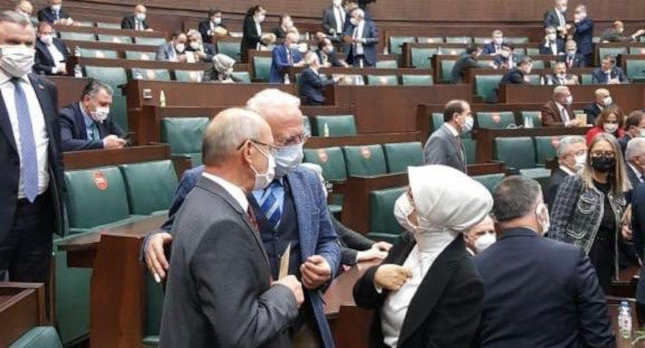 Duvar Arkası: AK Parti'de açık oy, gizli tasnif! - Sayfa 1