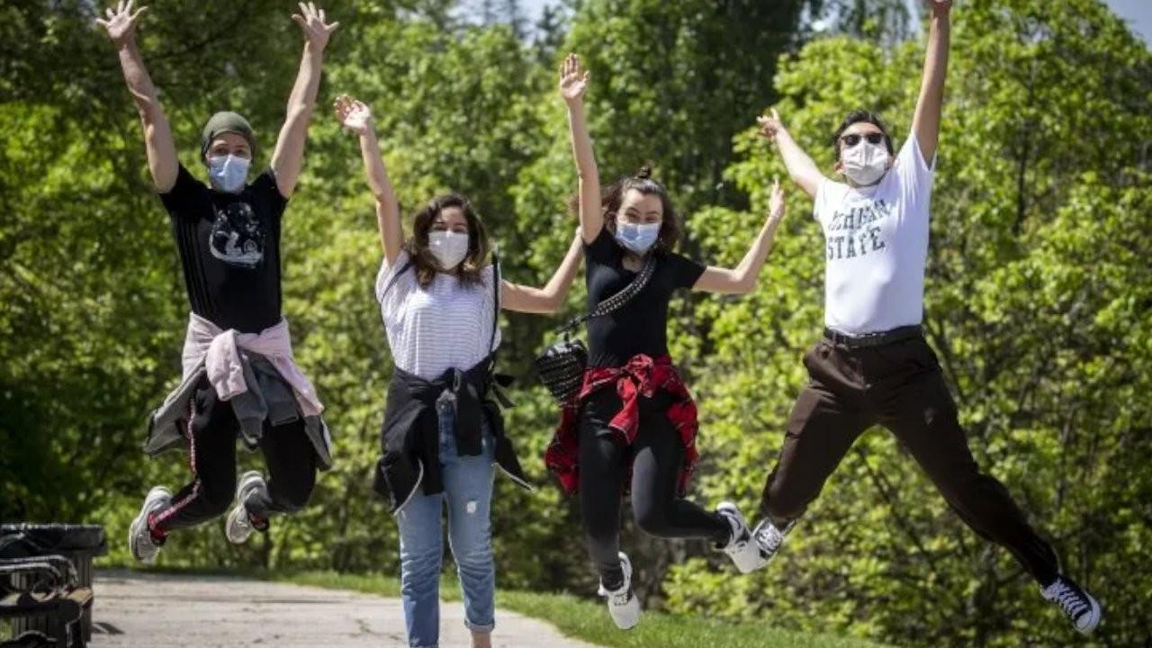 Bakan Koca: Gençlerin aktif vakalar içindeki oranı artıyor