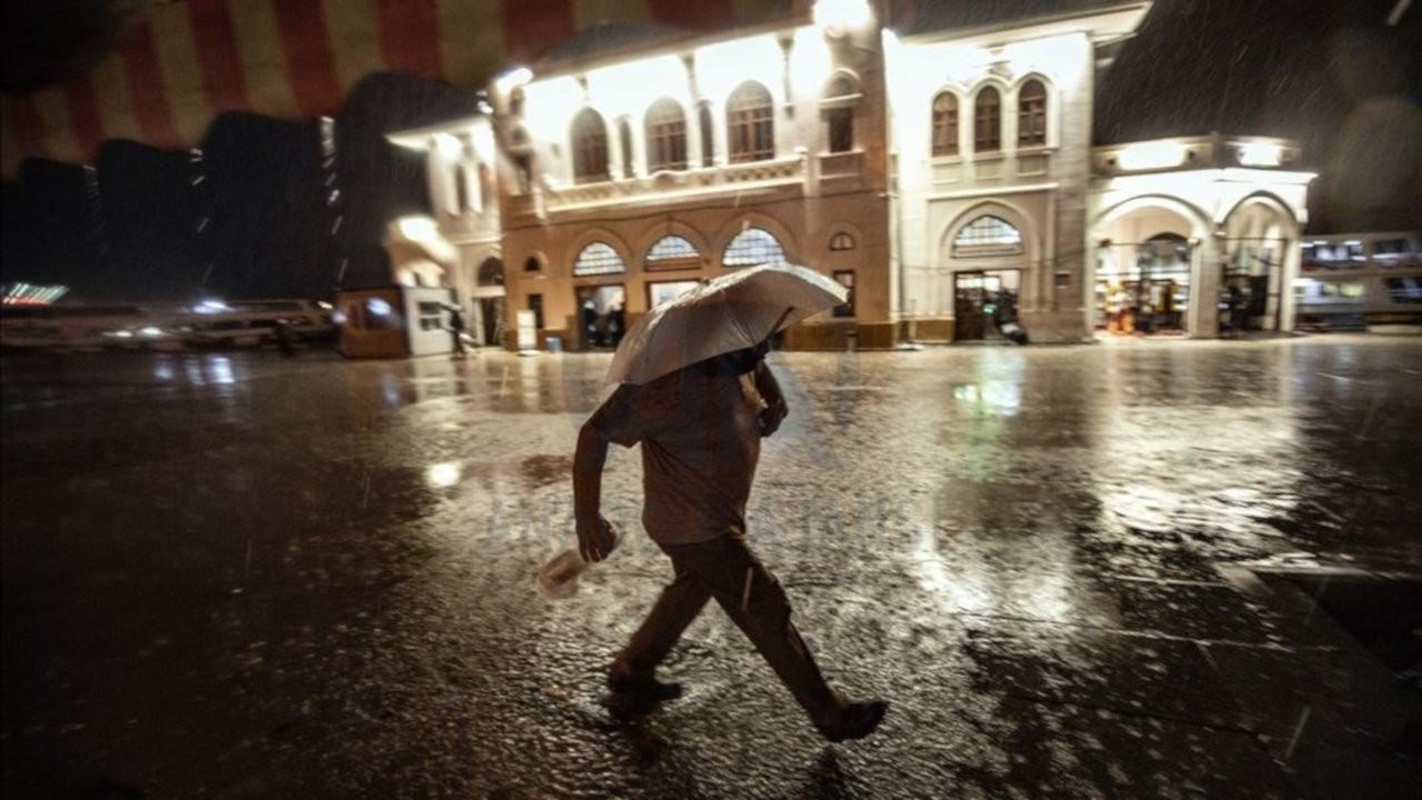 İstanbul için gece şiddetli yağış uyarısı