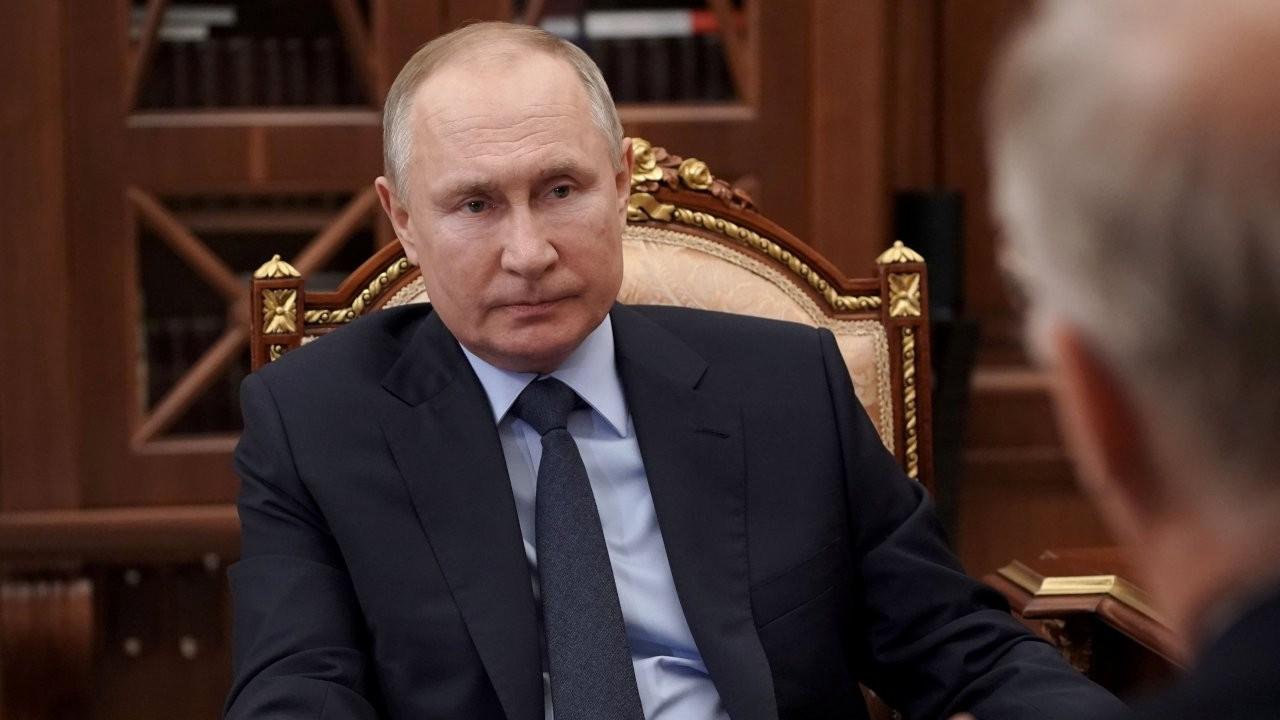 Putin imzaladı: İki dönem daha adaylığını koymasının önü resmen açıldı