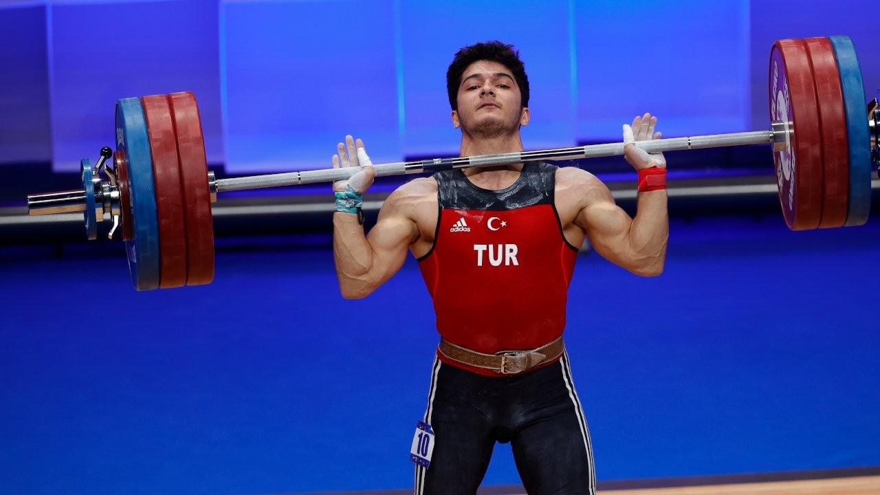 Muhammed Furkan Özbek halterde Avrupa şampiyonu oldu