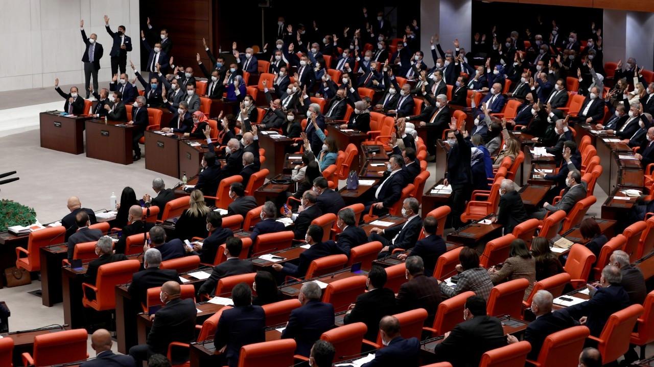 'Güvenlik soruşturması' Meclis'ten geçti