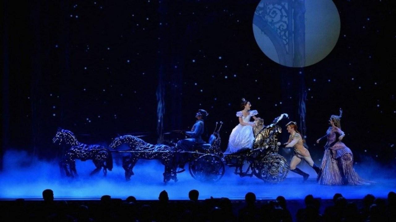 Oyuncu kadrosu beyazlardan oluştu: Cinderella iptal oldu