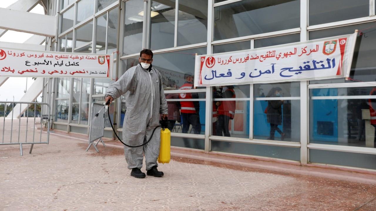 Fas, Tunus ve Katar'da teravih namazı evlerde kılınacak