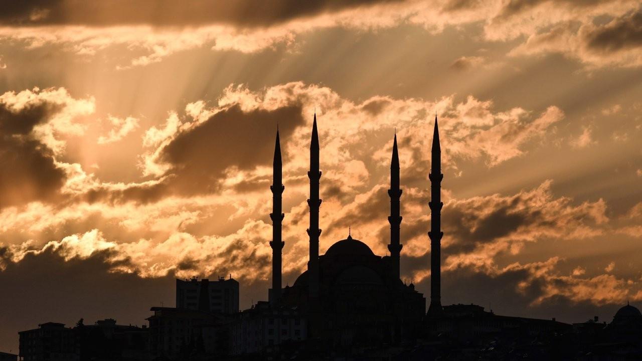 Bekaroğlu: Camilerin borcundan dolayı elektriği kesiliyor