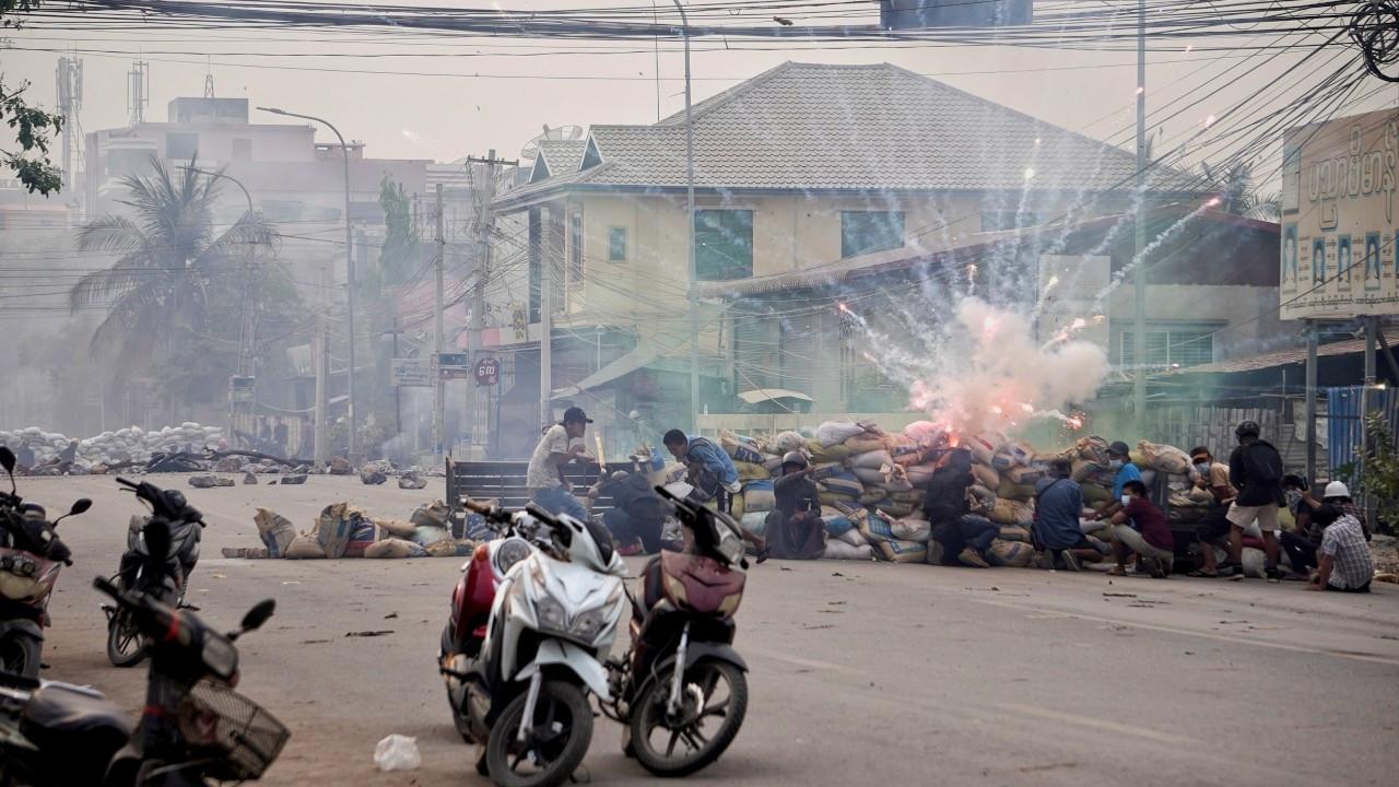 Myanmar ordusu protestoculara ateş açtı: En az 80 kişi öldü