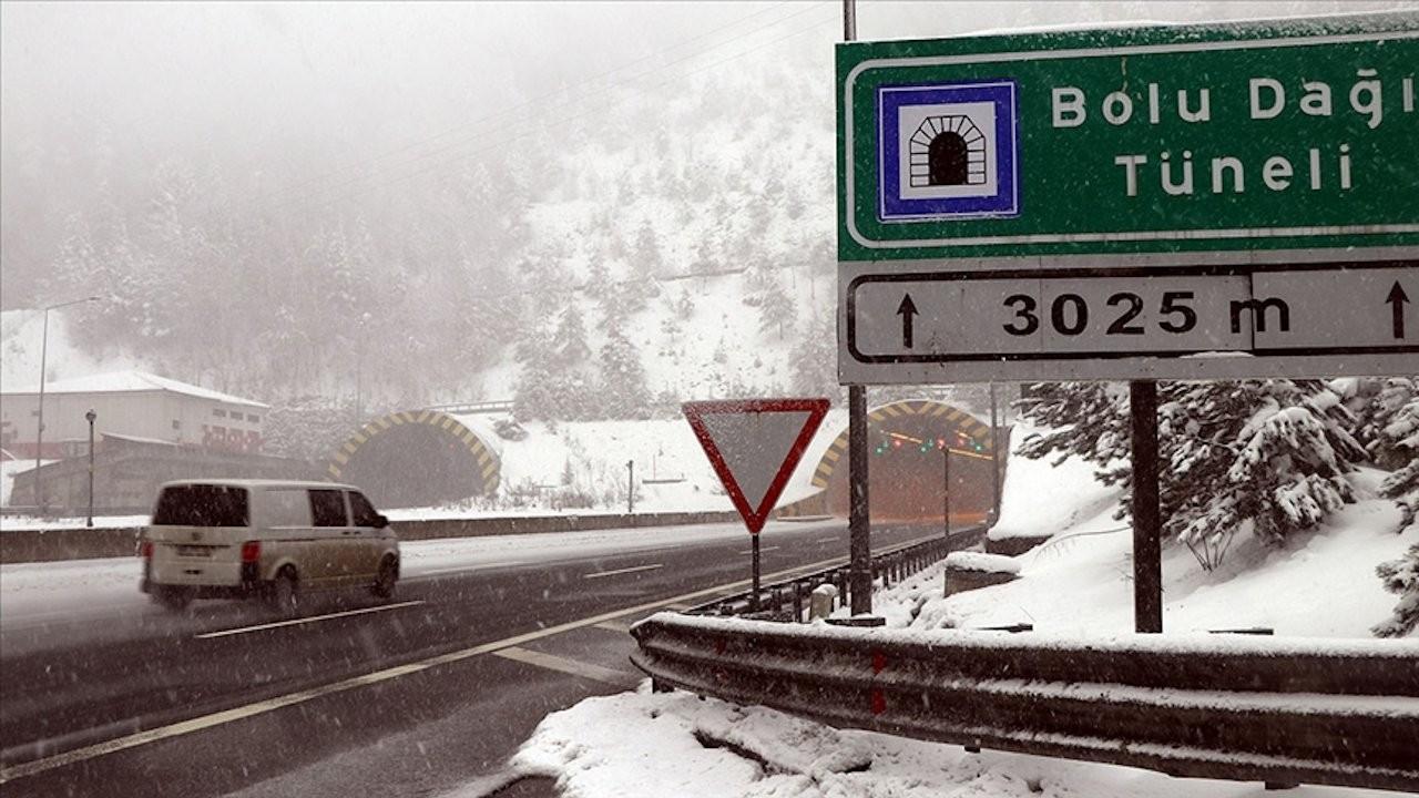 Bolu'da kar yağışı ulaşımı aksatıyor