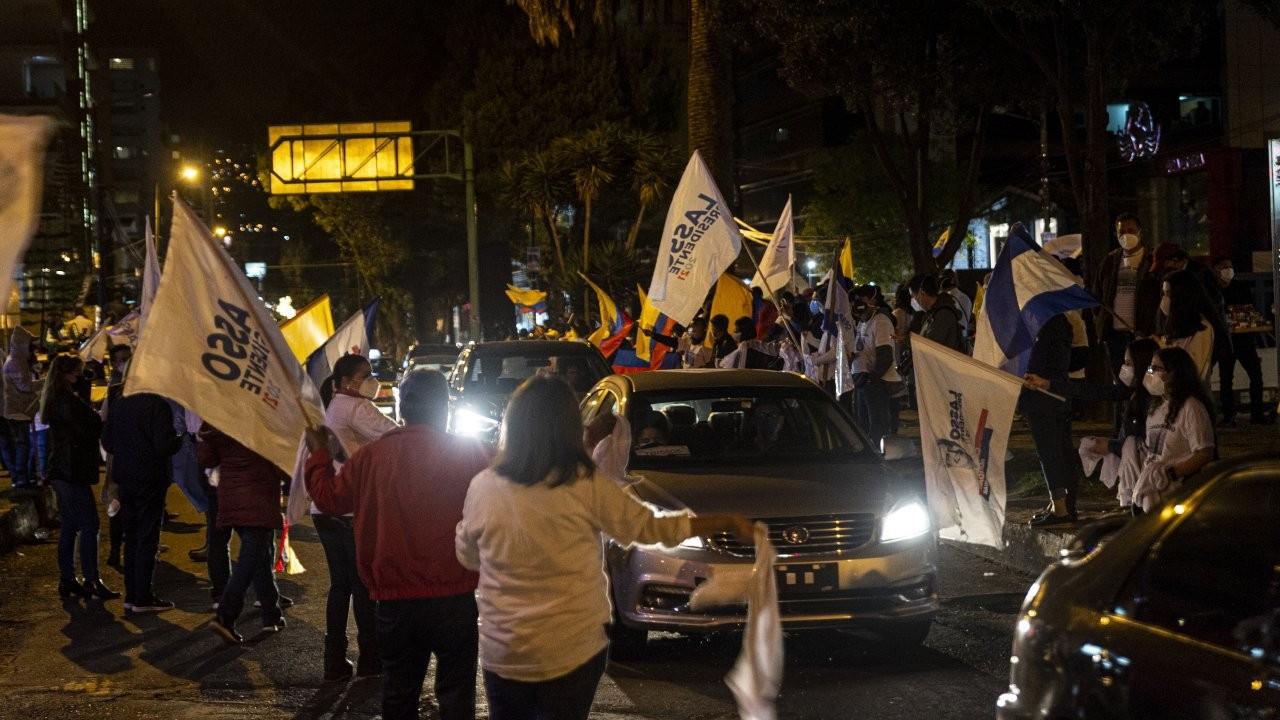 Ekvador'da seçimi sağcı aday Lasso kazandı