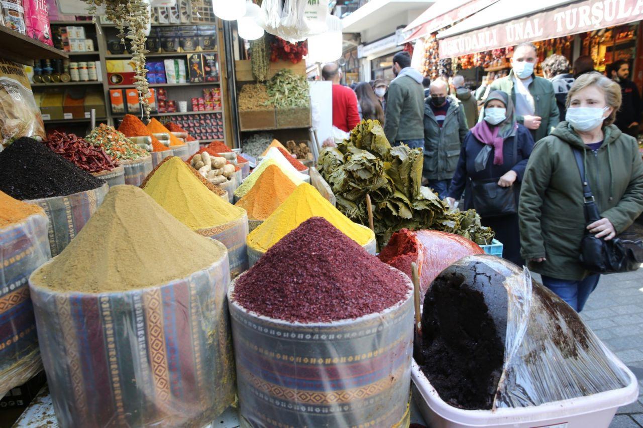İstanbul'da alışverişe akın - Sayfa 1
