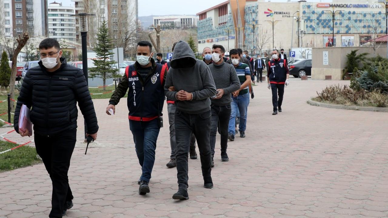 Sivas'ta sağlık çalışanlarına saldıran 9 kişiden 2'si tutuklandı