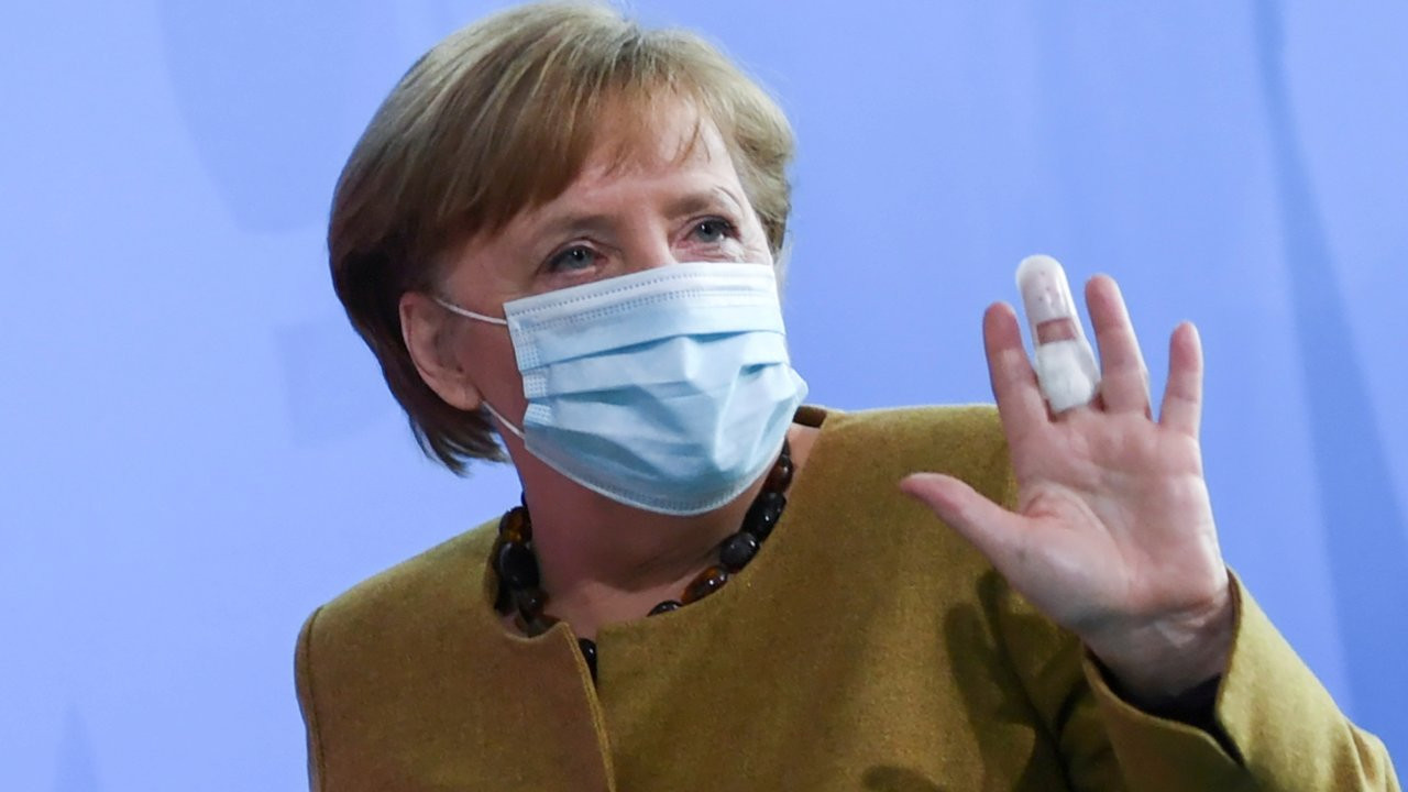 Almanya Başbakanı Angela Merkel AstraZeneca aşısı yaptıracak
