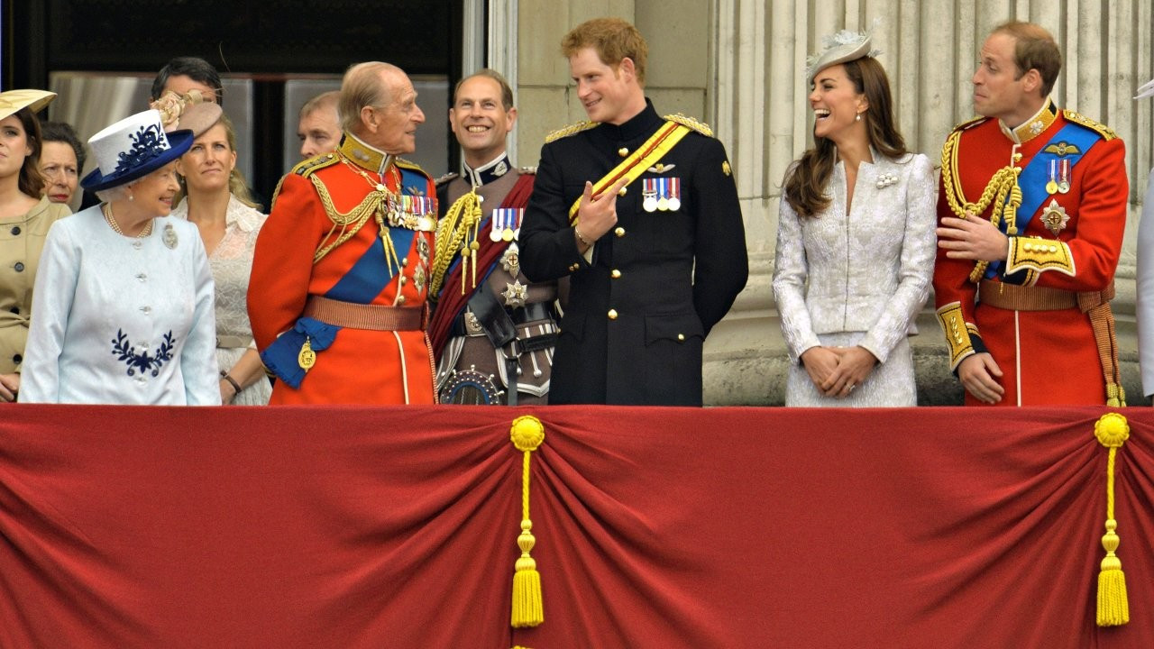 Prens Philip'in cenazesinde kriz: 'Prens Harry'yi utandırmamak' için kimse askeri üniforma giymeyecek