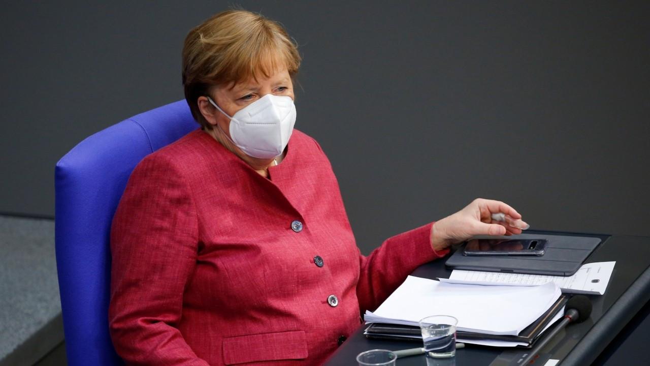 Almanya Başbakanı Angela Merkel, AstraZeneca aşısı yaptırdı