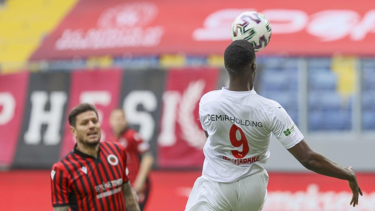 Sivasspor 16 dakikada mucize yarattı: 2-3