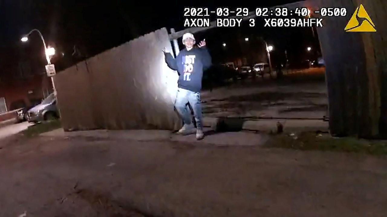 ABD'de polisin 13 yaşındaki çocuğu öldürdüğü görüntüler yayınlandı