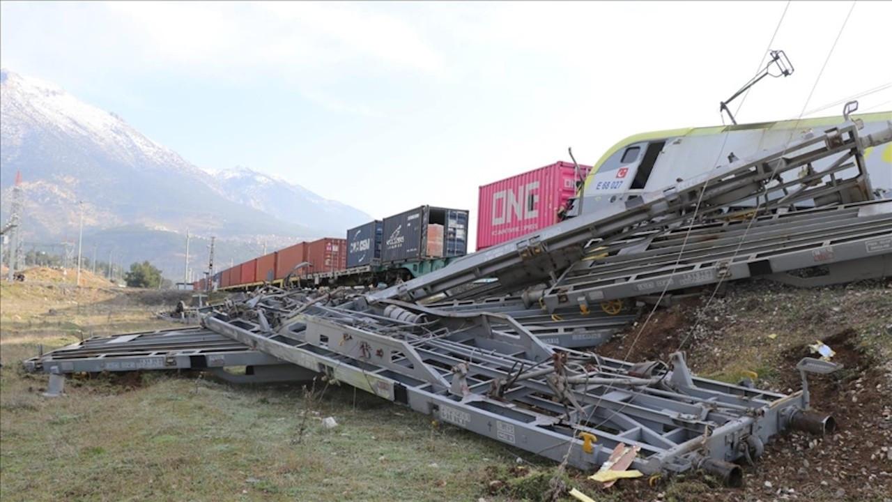 Adana'daki tren kazasının güvenlik kamerası görüntüleri ortaya çıktı