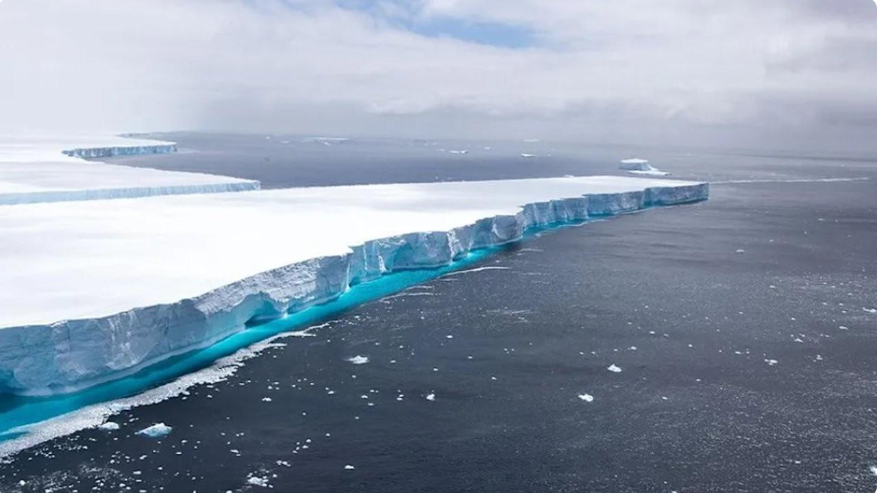 Sosyal medya fenomeni haline gelen dünyanın en büyük buzulu yok oldu