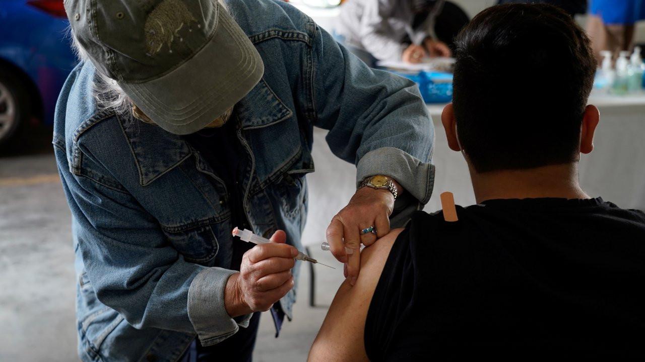 ABD'de dört ayda 130 milyon kişi en az bir doz aşı oldu