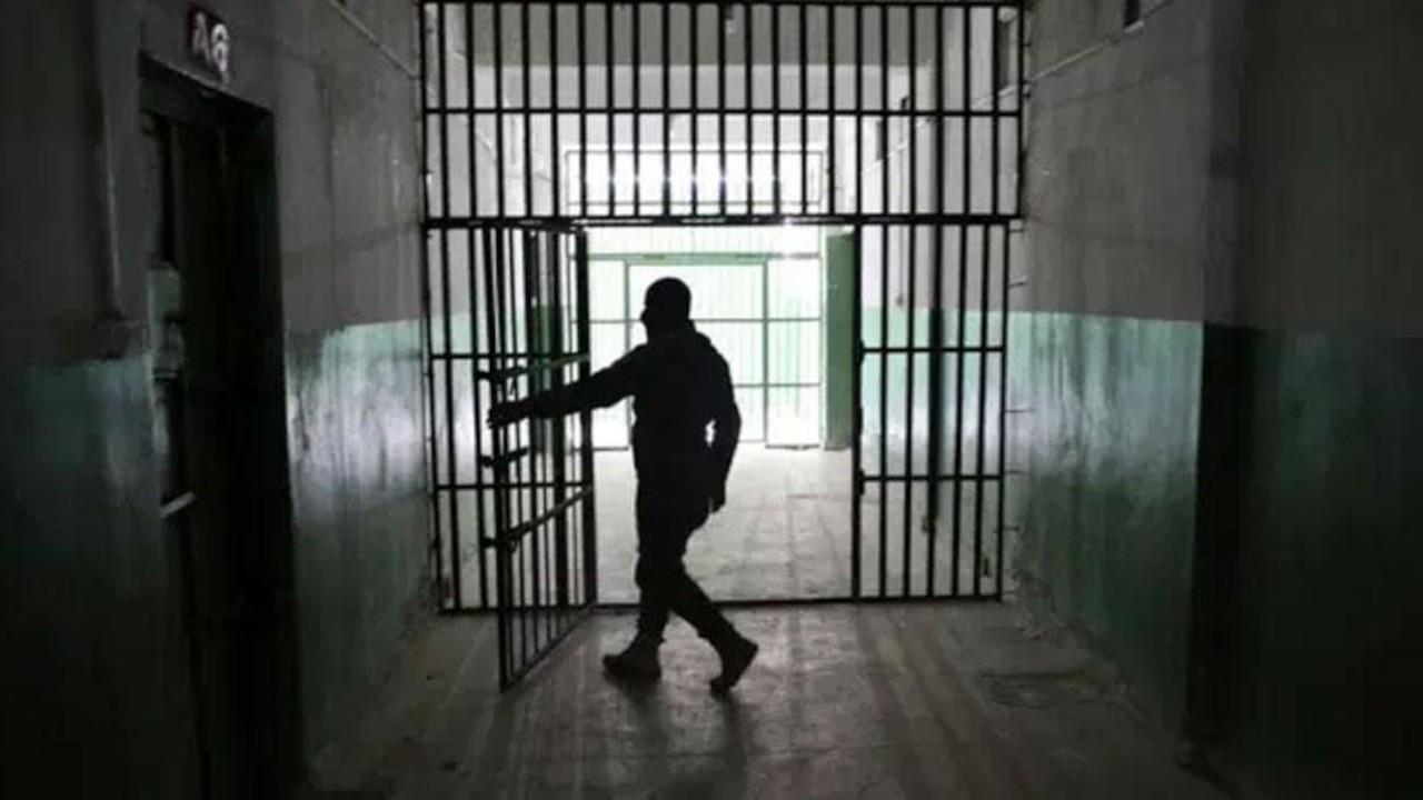 AK Parti'den 'mini infaz' paketi: Çocuğu olan kadın hükümlüye erteleme