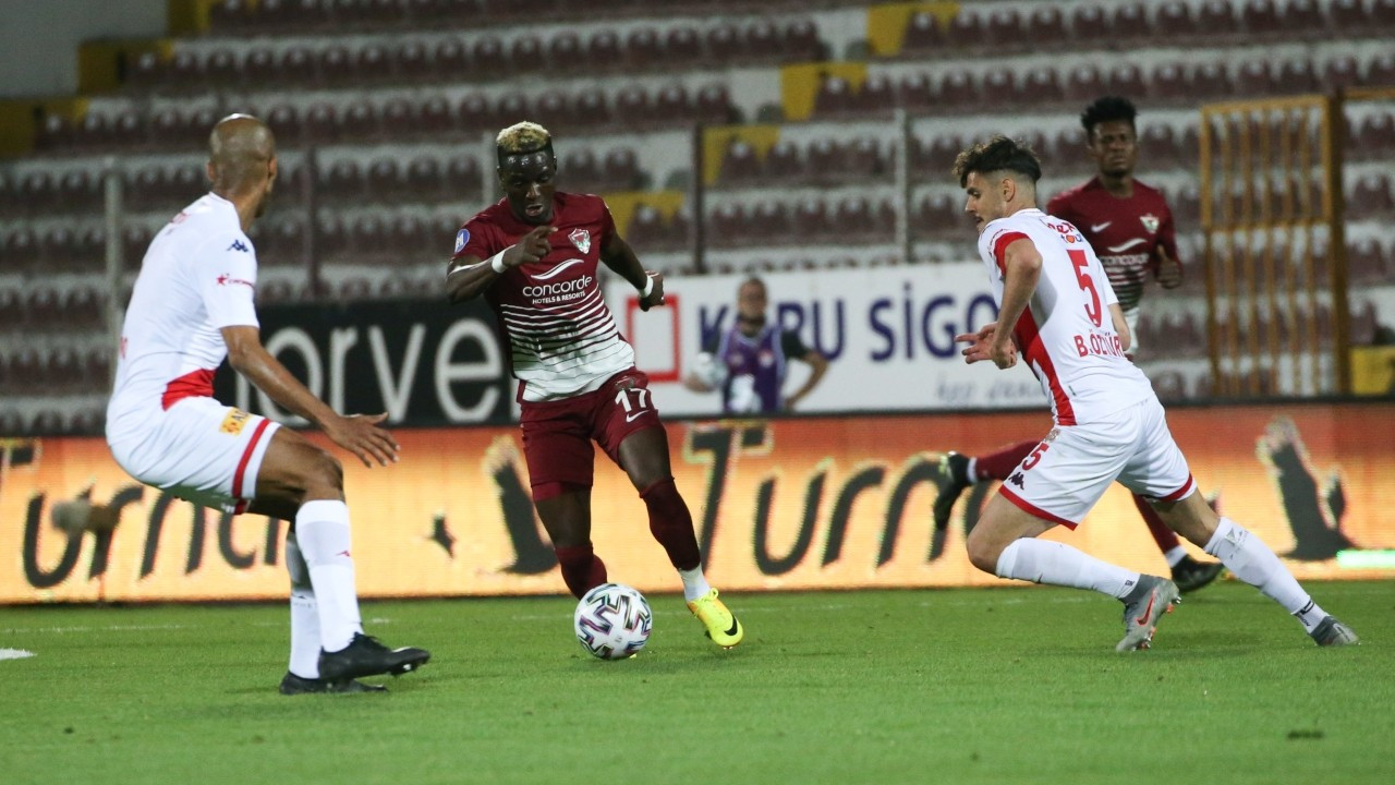 Hatayspor, Antalyaspor'u 3 golle geçti