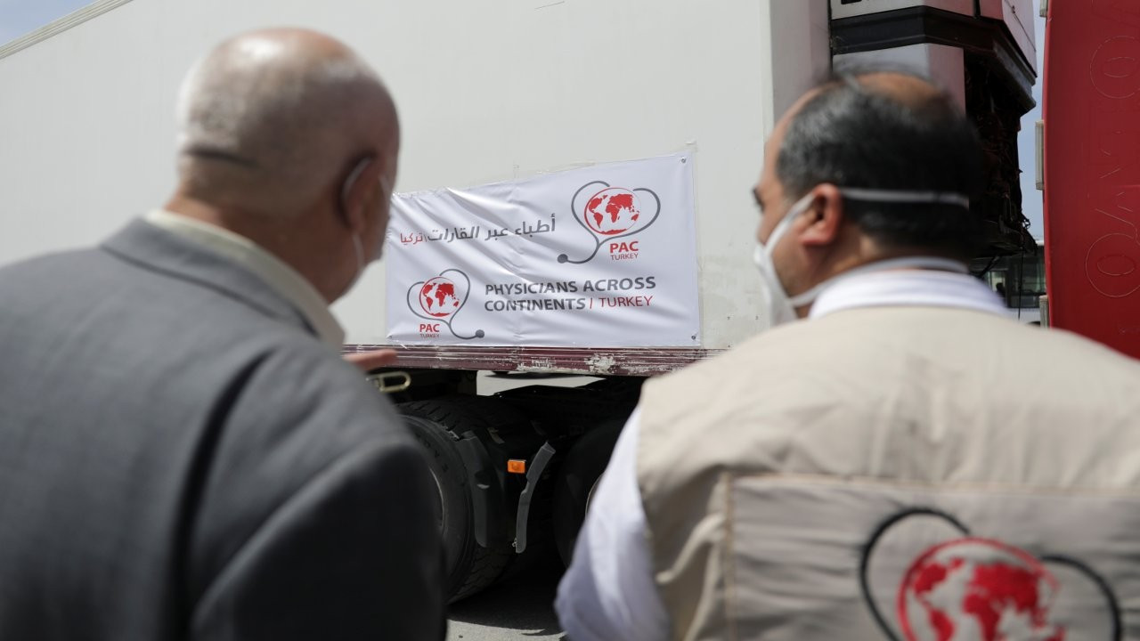 İdlib'e ilk aşılar Türkiye üzerinden gönderildi