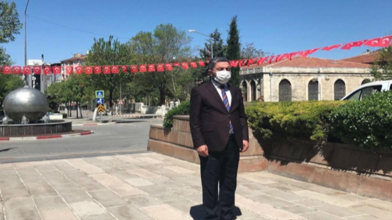 Valilikten izin çıkmayınca CHP Malatya İl Başkanı tek başına çelenk sundu