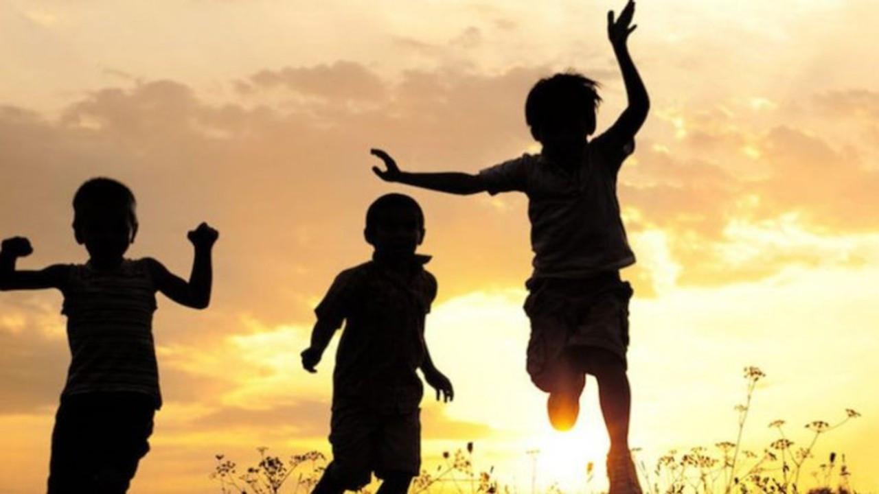 İHD: Çocuklara koltuklarınızı değil özgür bir yaşam verin