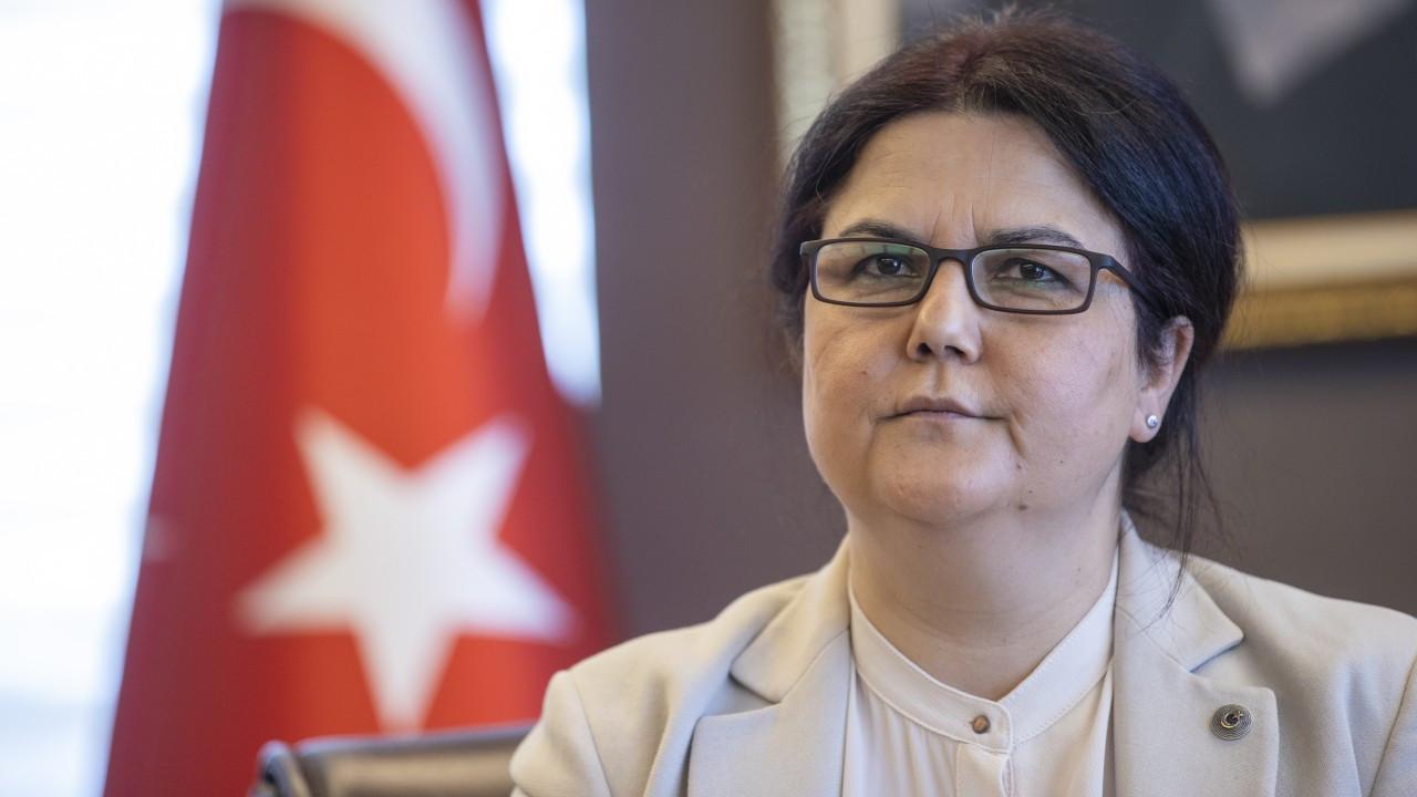 Aile Bakanı Yanık, koruma altındaki çocuğu ifşa etti, Ramazan gerekçesiyle çikolata ve çay ikram etmedi