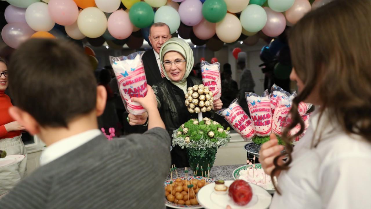 Erdoğan 23 Nisan'da çocuklara iftar verdi