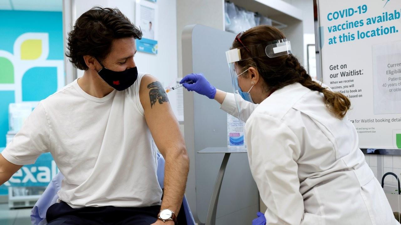 Kanada Başbakanı Trudeau, AstraZeneca aşısı yaptırdı
