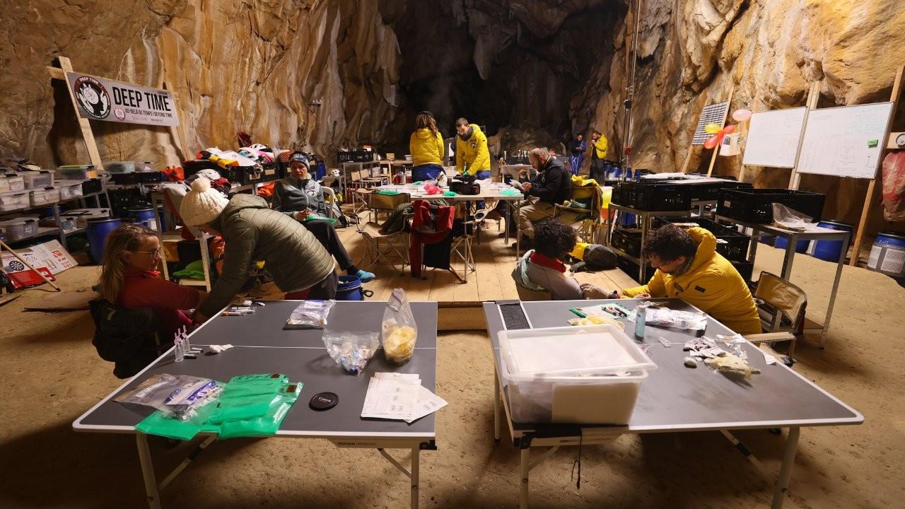 'Derin Zaman' deneyi: 40 gün boyunca bir mağarada yaşadılar