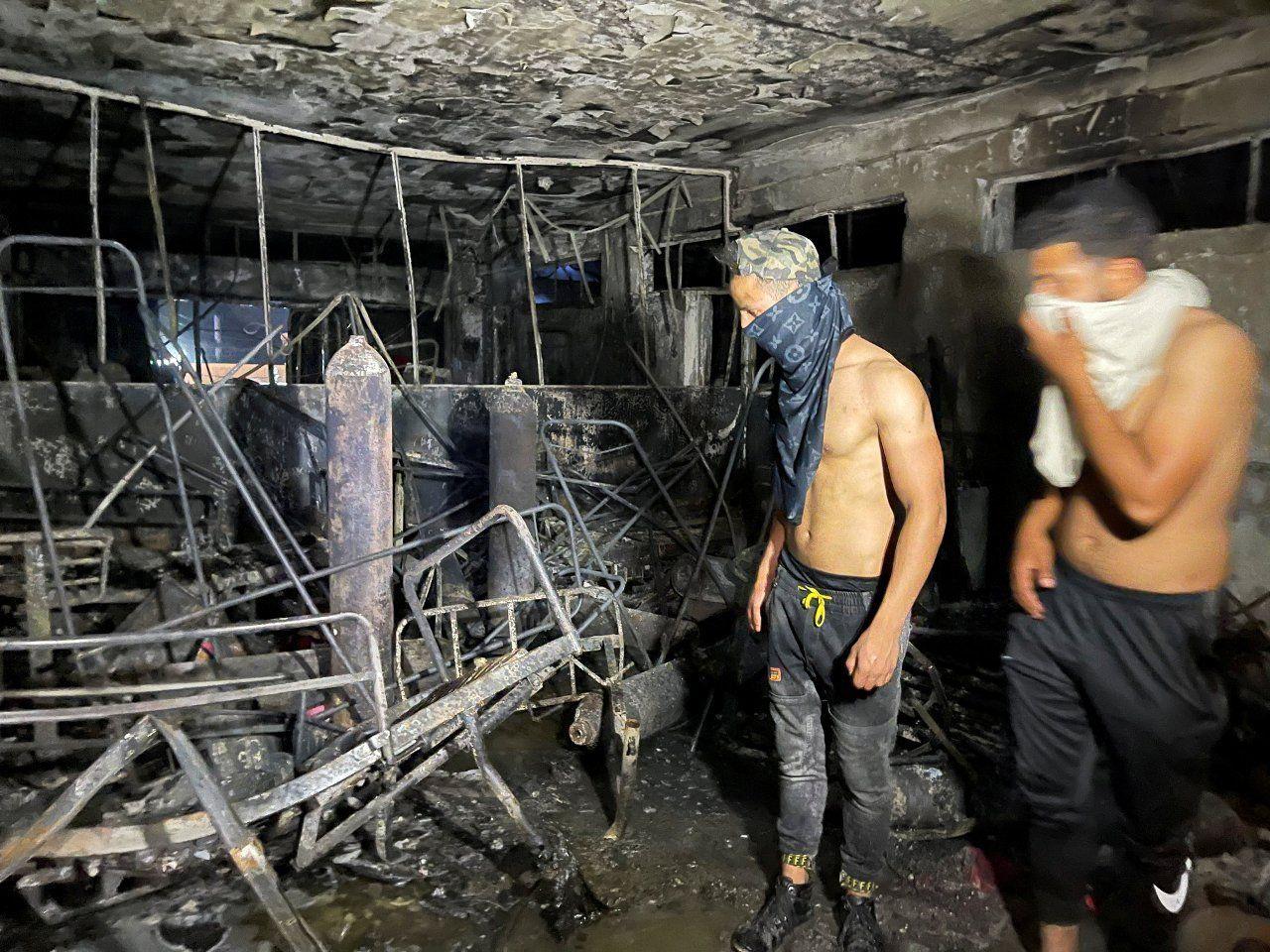 Bağdat'taki hastane yangınında ölü sayısı 82'ye yükseldi, görgü tanığı 'Herkes atlıyordu' dedi - Sayfa 1