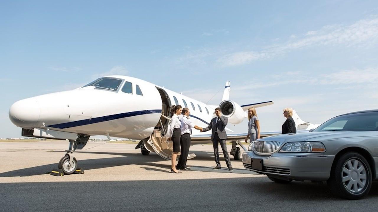 İddia: Hindistan'ın zenginleri özel uçaklarla ülkeden kaçıyor
