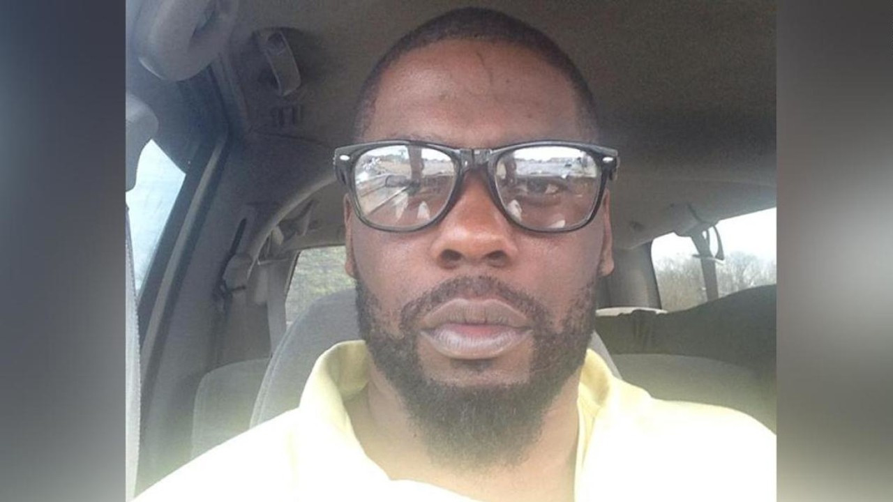 ABD'de polis tarafından öldürülen Brown'ın vücudundan 5 kurşun çıktı