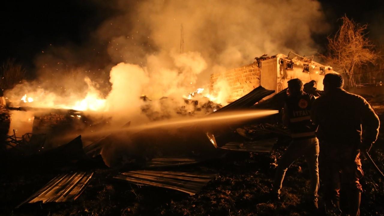Kastamonu'nun Pınarbaşı ilçesinde yangın: 2 kişi öldü