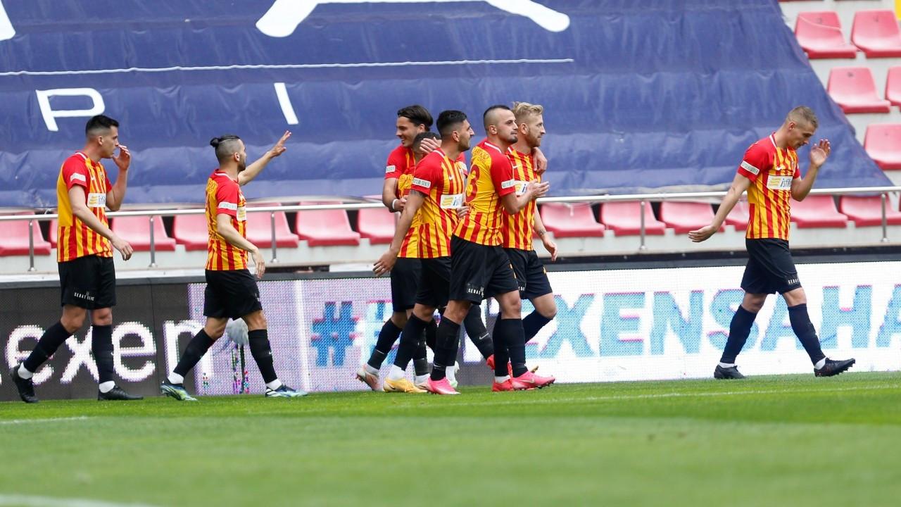 9 gollü maçta kazanan Kayserispor