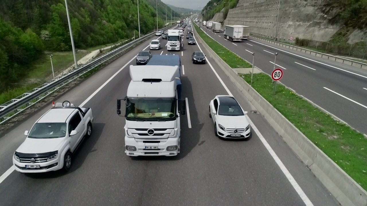 18 günlük kaçış: İstanbul kilit, karayolları doldu