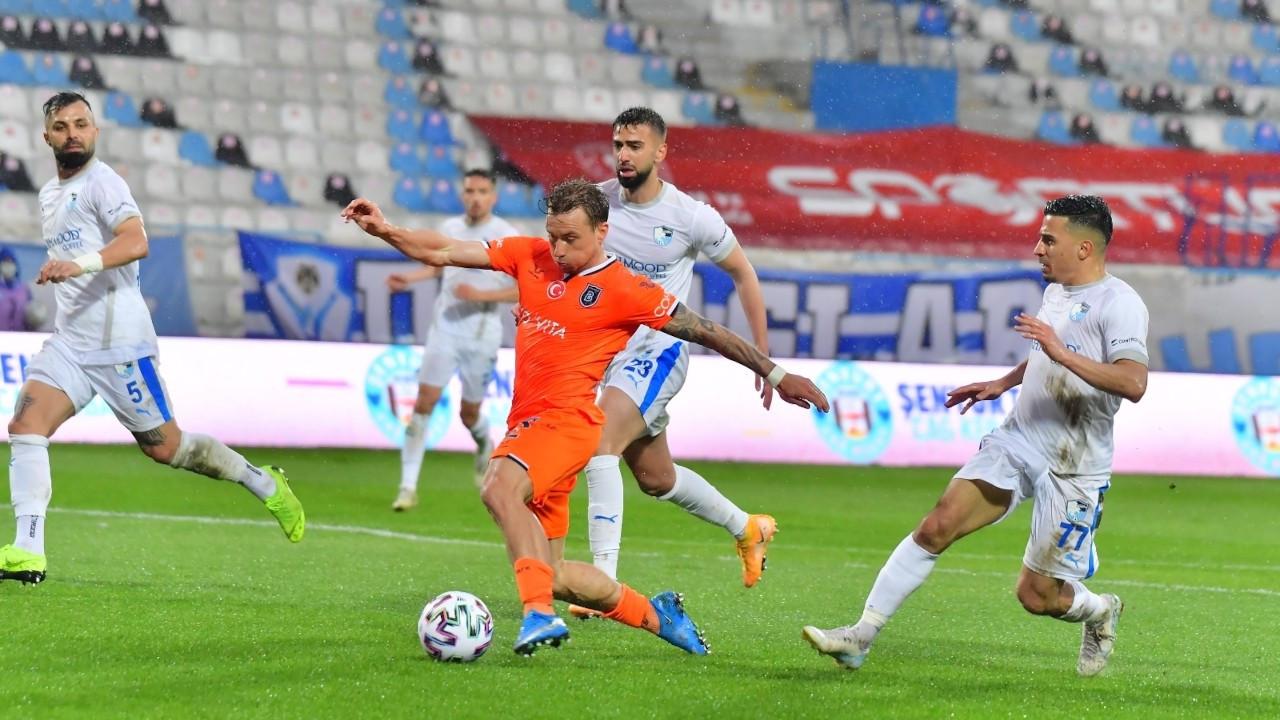 Başakşehir, geriye düştüğü maçta Erzurumspor'u yendi