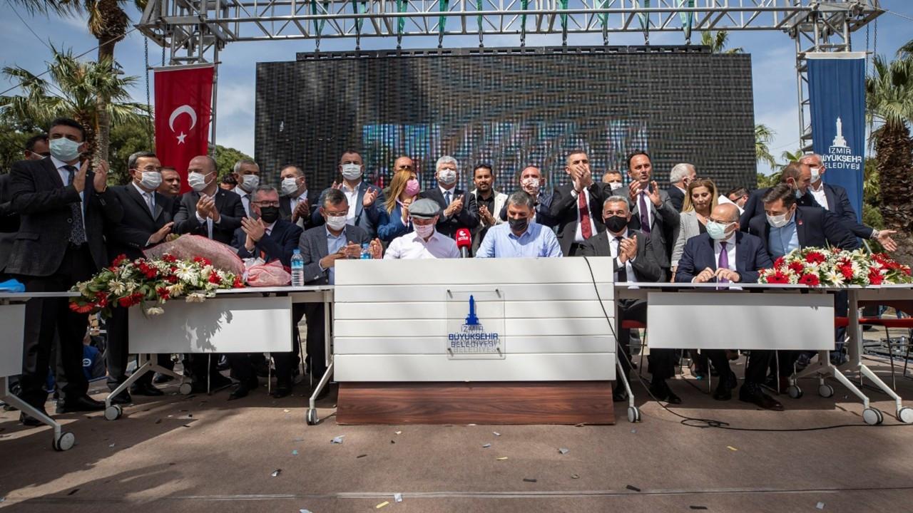 İzmir Büyükşehir Belediyesi'nde 7 bin işçiyi kapsayan TİS imzalandı