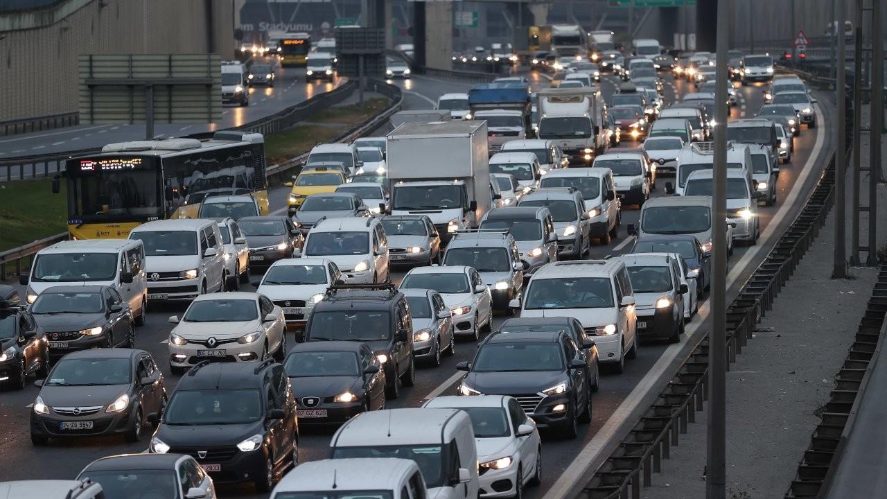 Yasak öncesi son gün trafiği