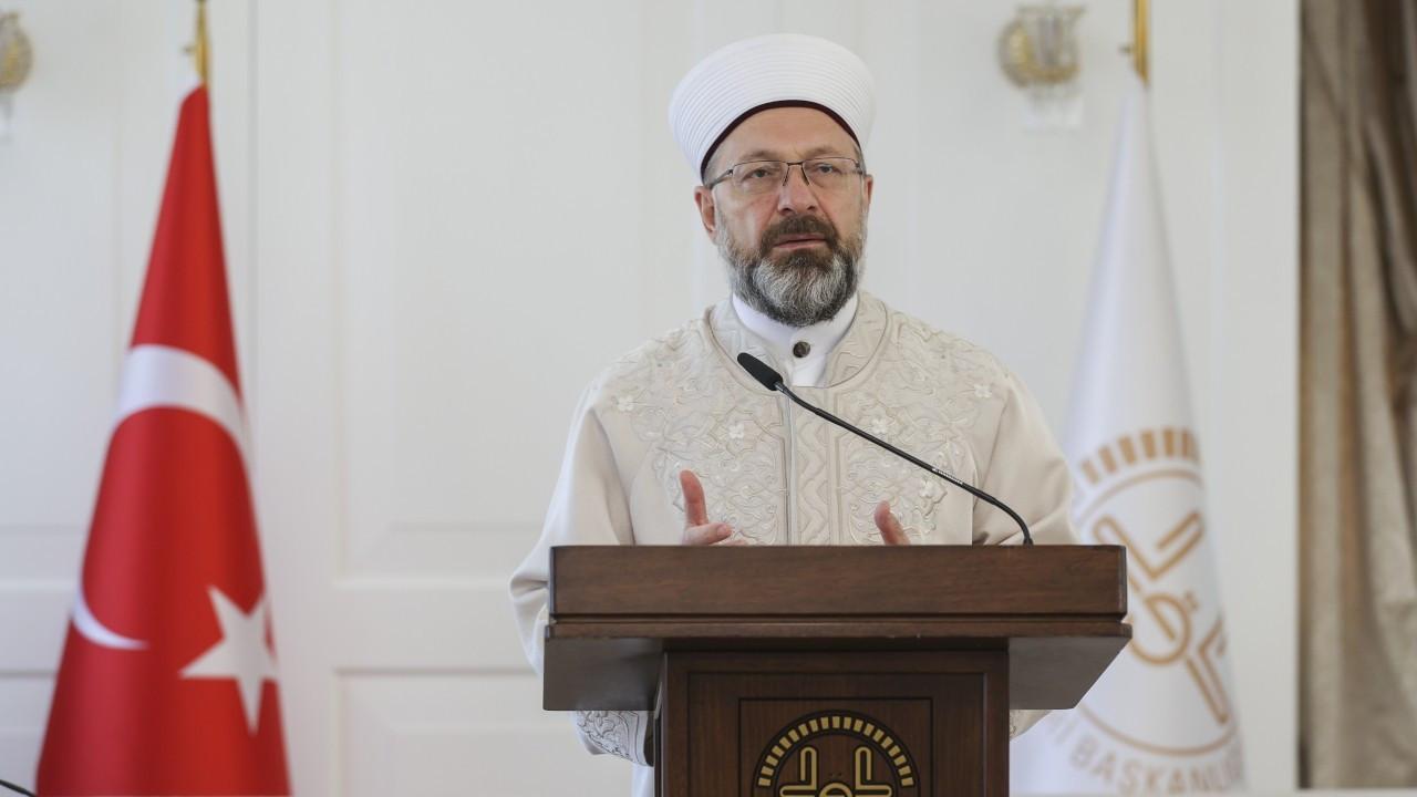 Ali Erbaş: Bayram namazı camide kılınacak şekilde hazırlık yapıyoruz