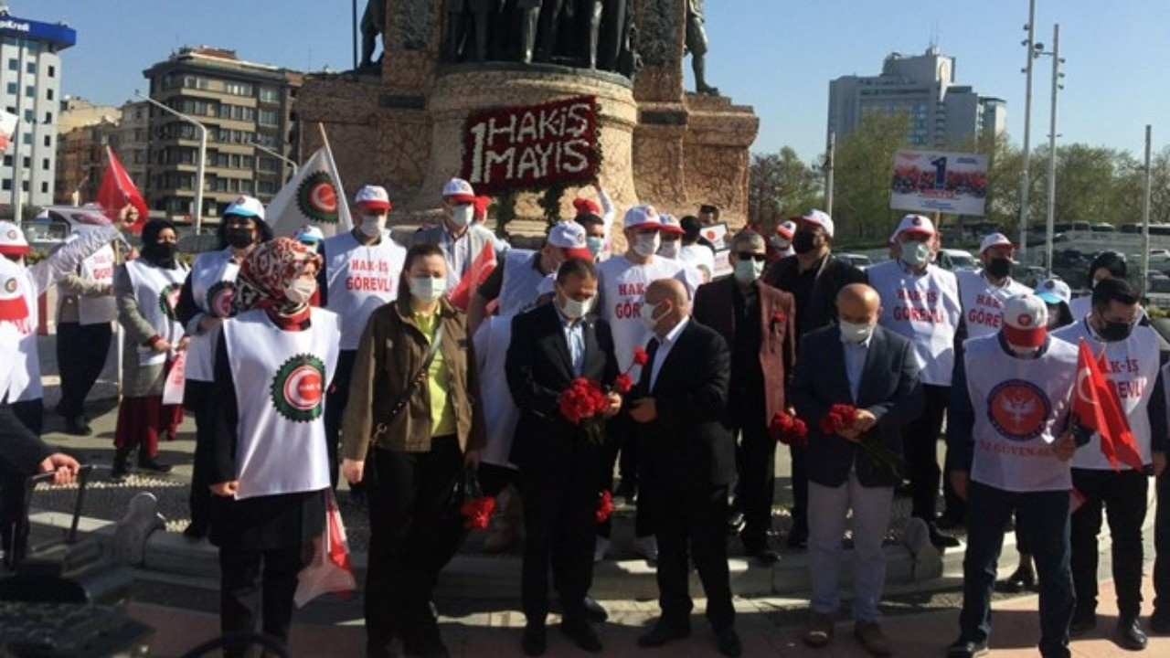 Sendikalar Cumhuriyet Anıtı'na 1 Mayıs çelengi bıraktı