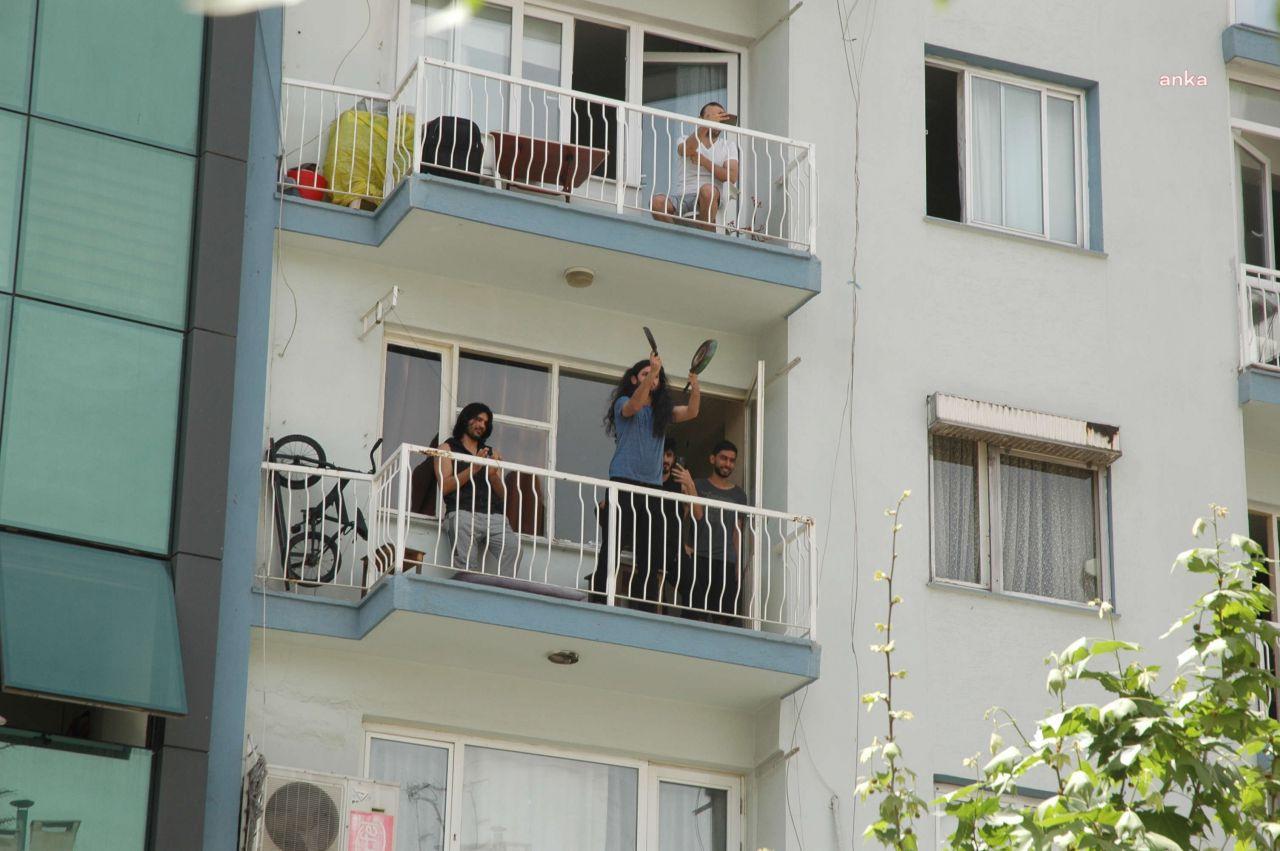 Polis 1 Mayıs'ı çatıda da engelledi, mahalleli protesto etti - Sayfa 3