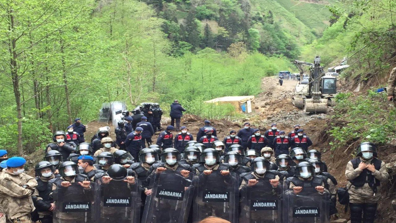 İkizdere'de taş ocağına karşı mücadele eden köylüler gözaltına alındı