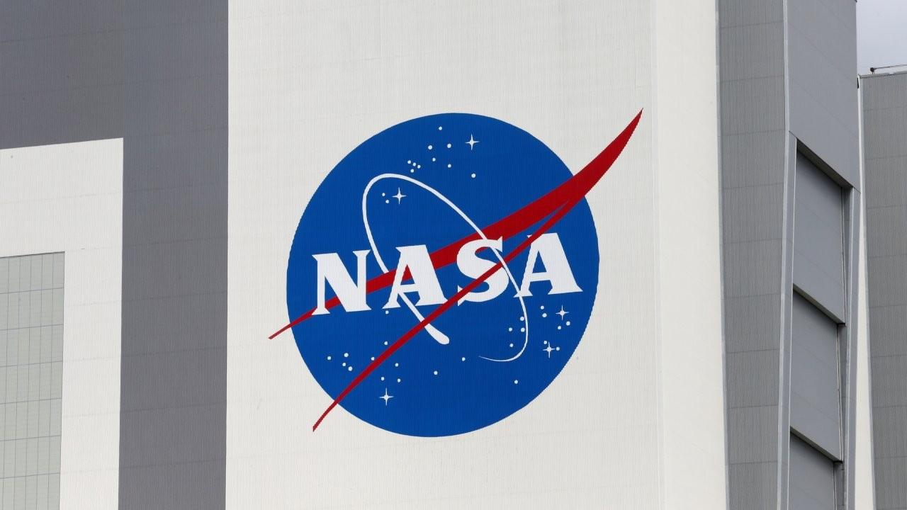 NASA, 2.9 milyar dolarlık SpaceX anlaşmasını durdurdu